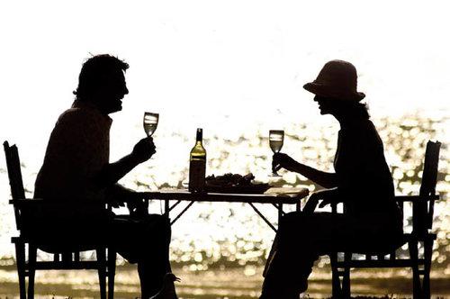 Una parella en una vetllada romàntica