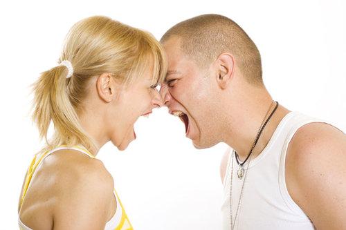 parella enfadada