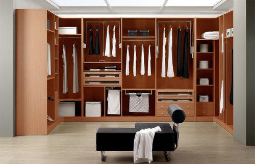 vestidor amb roba