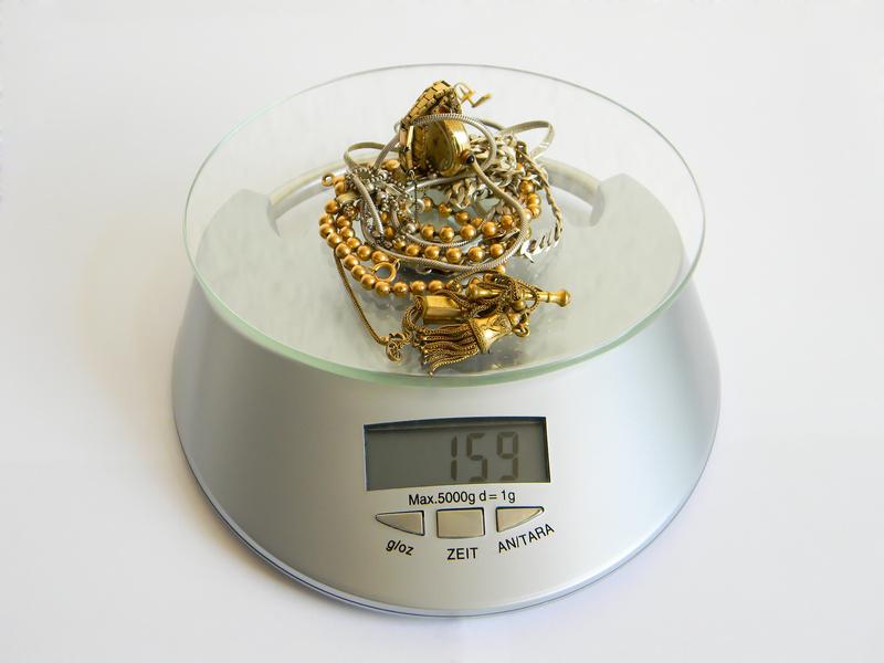 159 grams de pes en articles d'or