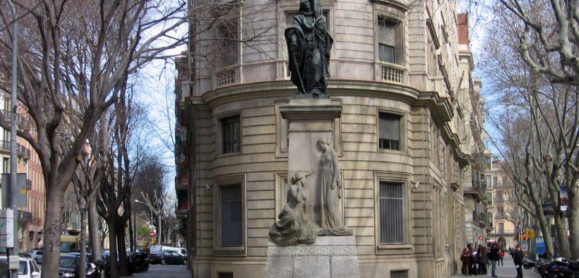 Monument-Rafael-Casanova